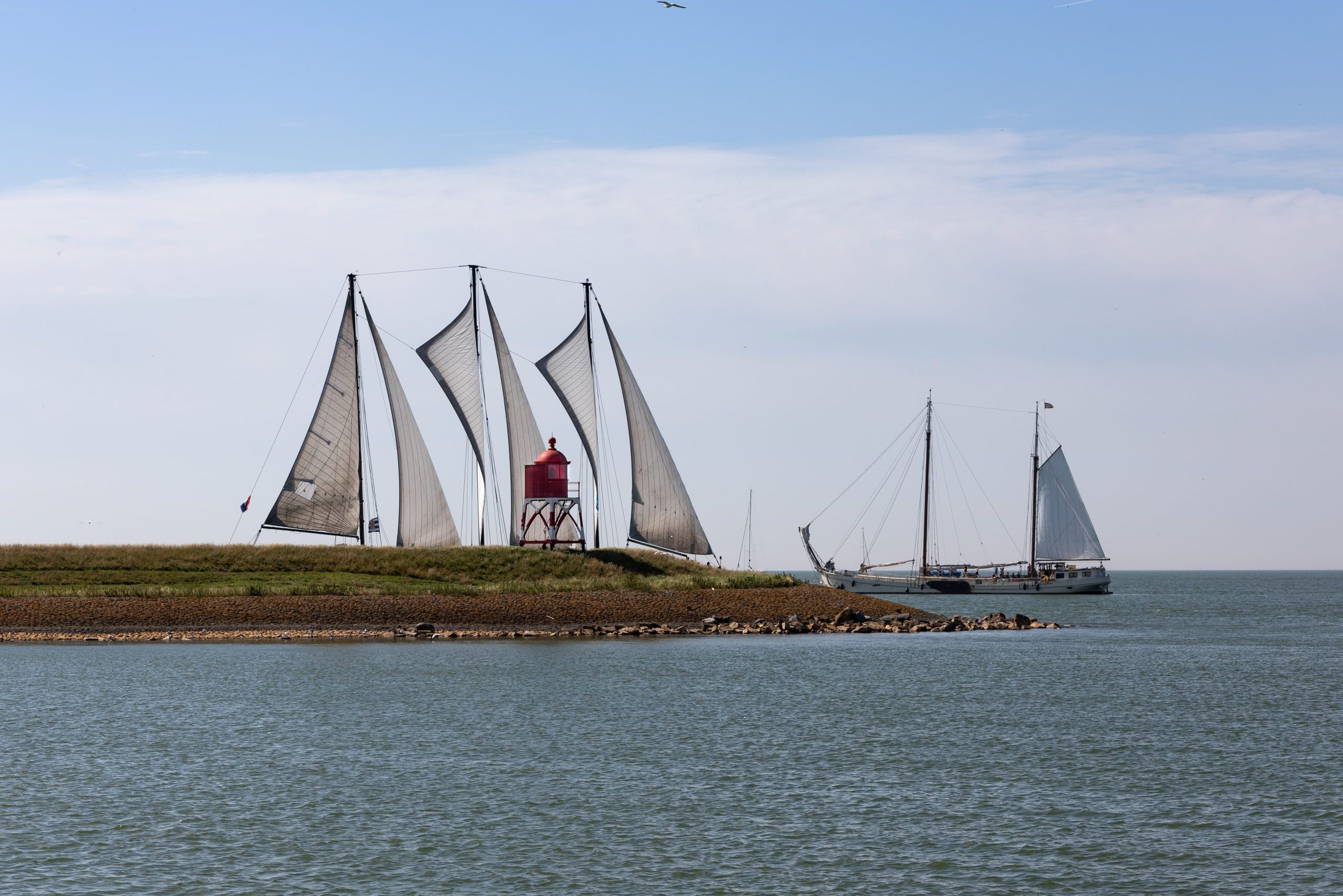 De Grietje kort voor het binnenvaren van de haven van Stavoren
